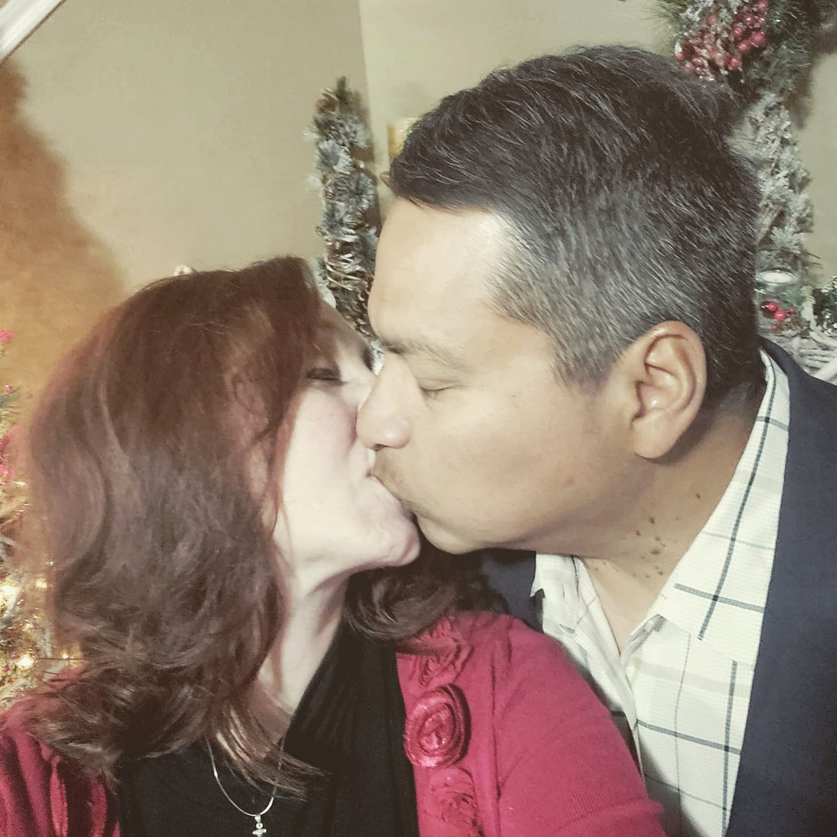 Merry Christmas Eve from Mr. Brave and me.  #WritingCommunity #UnderTheMistletoe #ChristmasEve