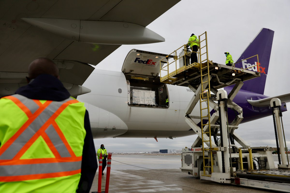 A holiday delivery to remember!  The Moderna COVID-19 vaccines have arrived on Canadian soil.  #FedExStrong #FedEx