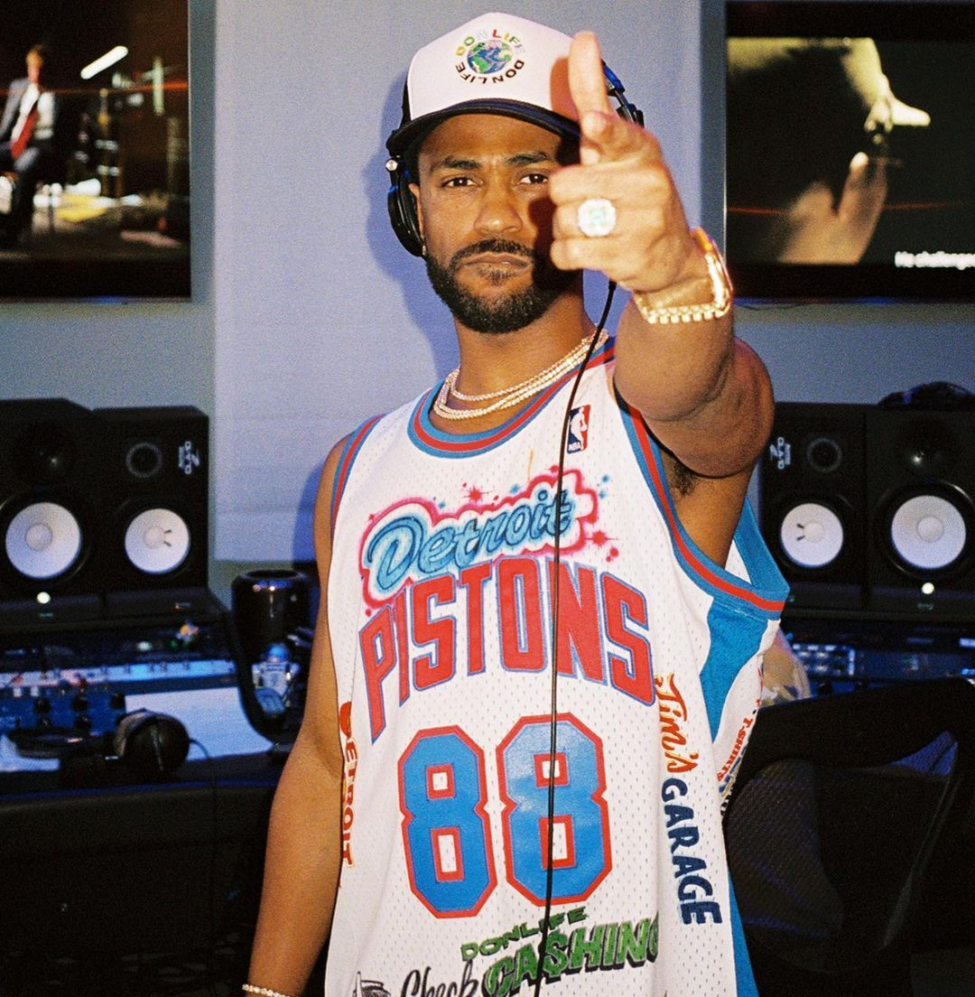 Pistons have named @BigSean their 'Creative Director of Innovation'  They even made an office for him in the facility