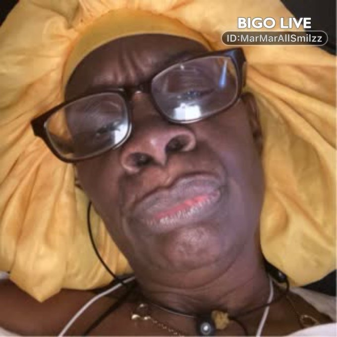 Come and see TtMarMar🌪STyL🧚's LIVE in #BIGOLIVE: Merry Christmas Panel    https://t.co/I6bLhc20yl https://t