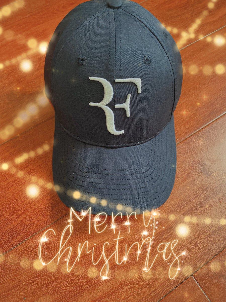 Like the best Christmas gift ever!! 😘🎄🎁 RF🧢 #RFcap #rfcapisback #AllIWantForChristmas #MerryChristmas @rogerfederer @UQAmbassadors