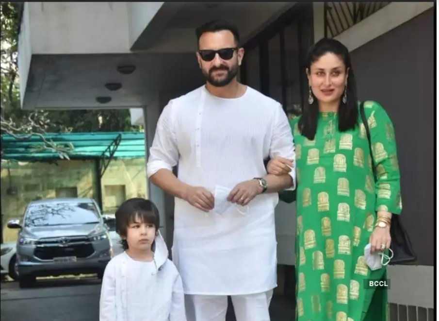 #KareenaKapoorKhan, #SaifAliKhan and son #Taimur   clicked at #KunalKapoor's residence for the annual #Christmas lunch  #MerryChristmas