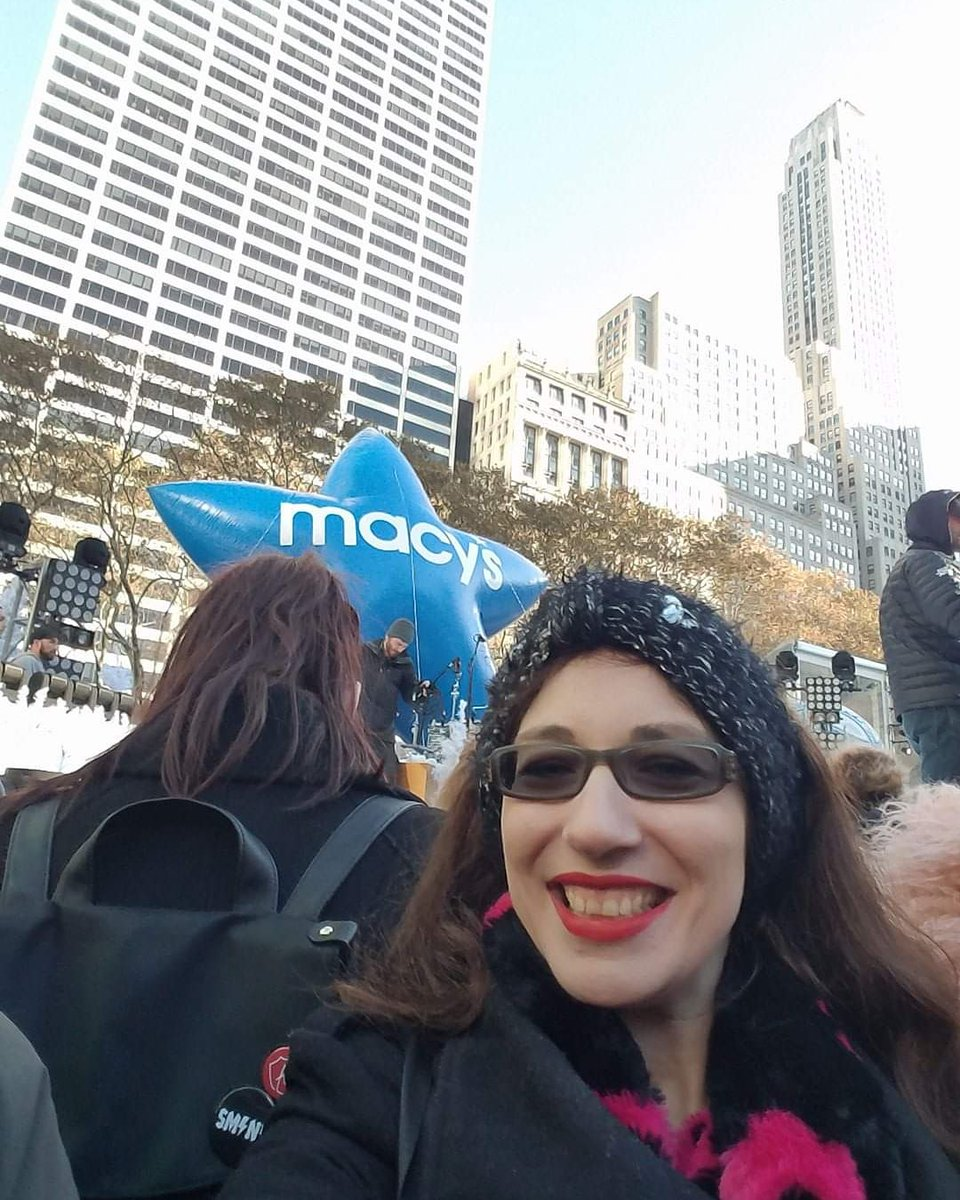 #HappyHolidays! Right before a live taping of Gwen Stefani for one of the #macysparade I took this #selfie in #BryantPark. It was freezing and it was worth it! #flashbackfriday #liveshows #liveevents #fridayfeeling #musictherapy #inspiration #motivation #NYC