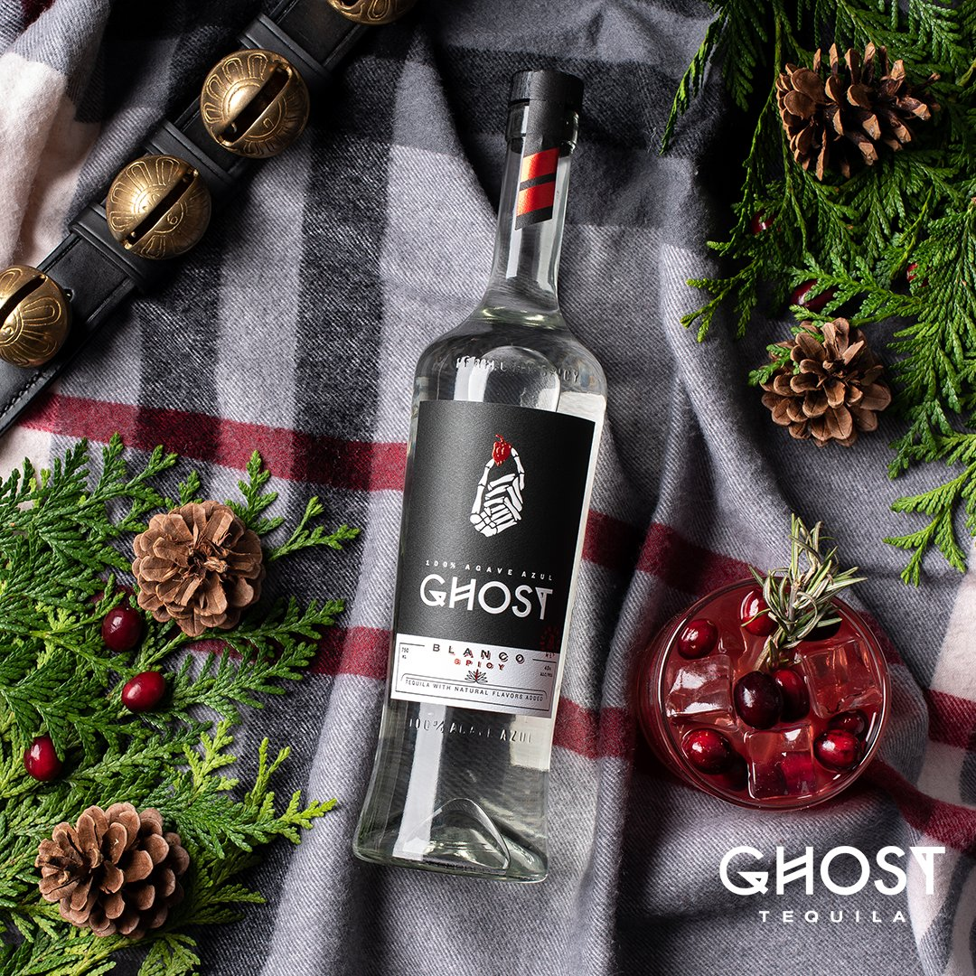 🎁  It's the GHOST wonderful time of the year. Feliz Navidad amigos! https://t.co/QqAHuutMnl
