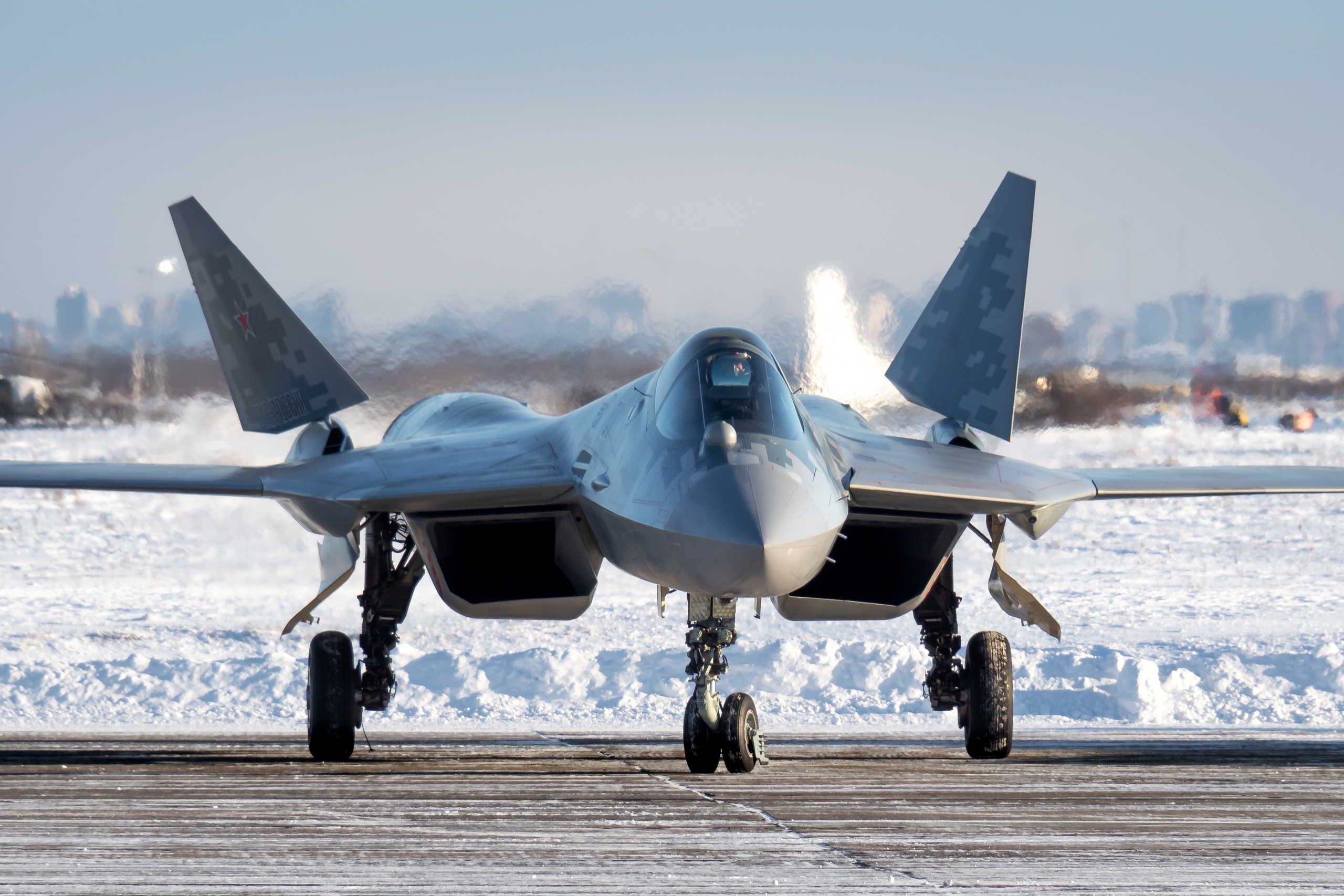 Su-57 Stealth Fighter: News #6 - Page 38 EqHGsAtU0AAKJwX?format=jpg&name=4096x4096