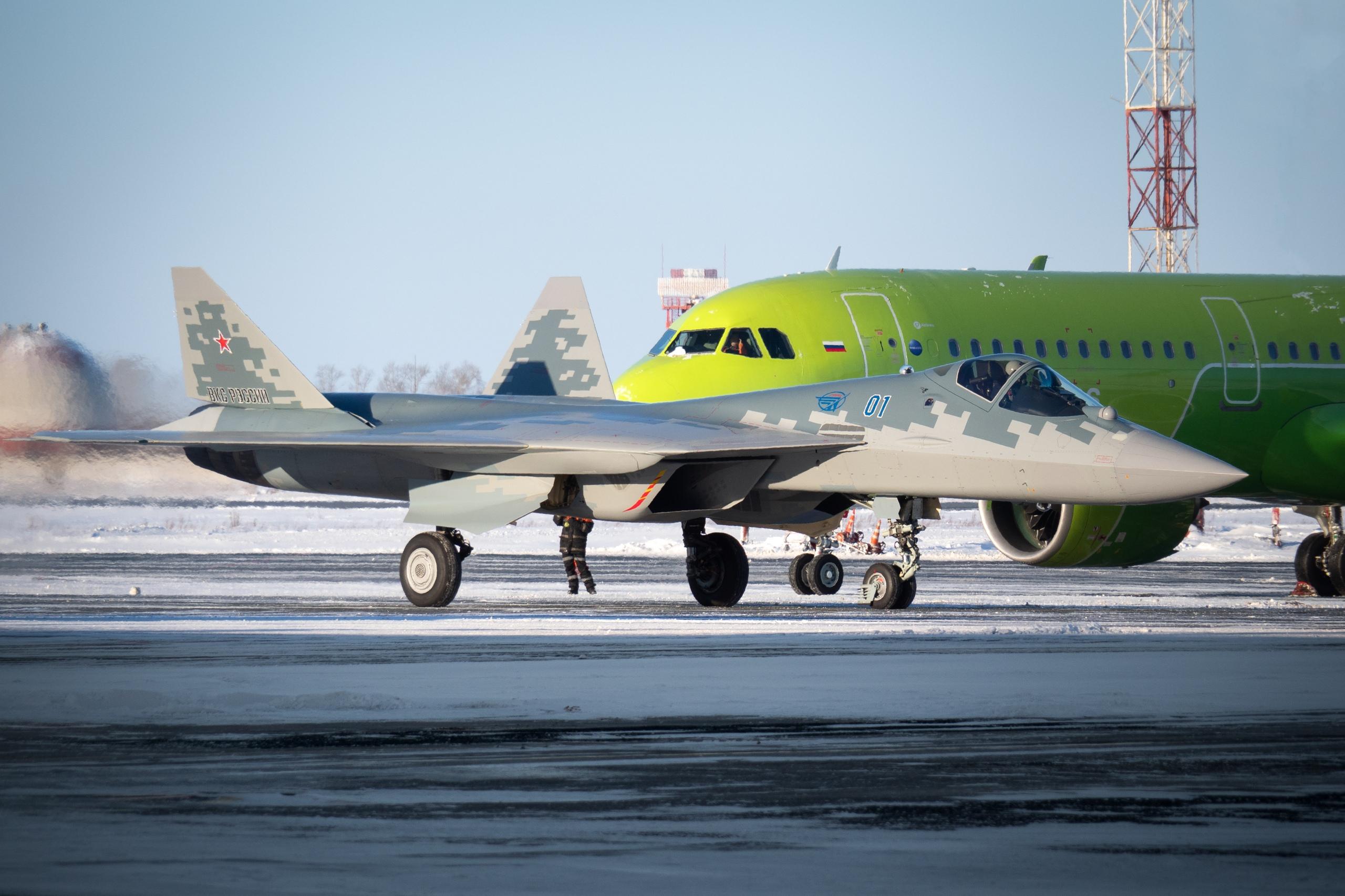 Su-57 Stealth Fighter: News #6 - Page 38 EqHGu3TUUAAZdRi?format=jpg&name=4096x4096