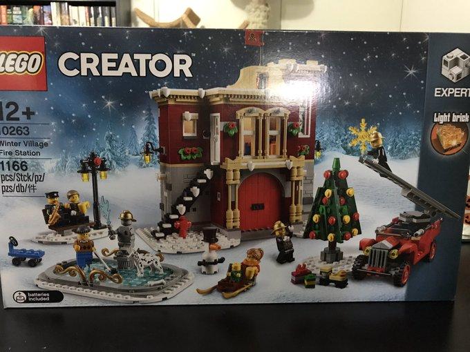 Christmas LEGO day! https://t.co/DhYzgVCzpy