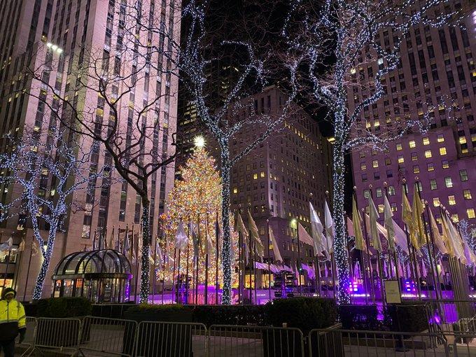 2 pic. Merry Christmas everyone ❤️🎄 https://t.co/1gDfYpFJRz