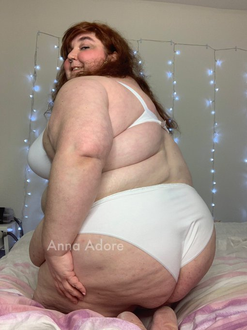2 pic. I'm Anna Adore, BBW Adult Model!  I'm glad you're here!  I offer: 🎥 video clips  📸 photo sets 📱chat 🎉