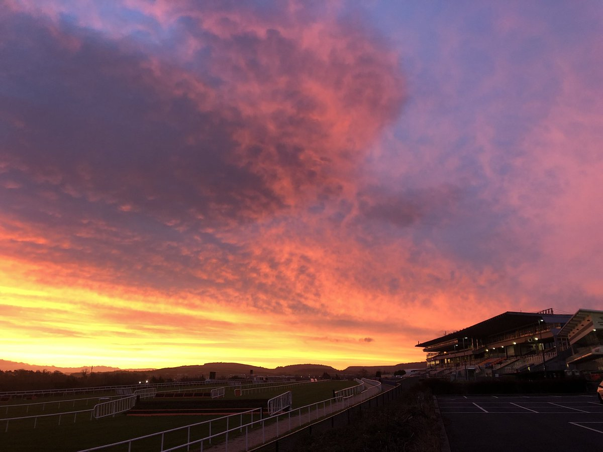 test Twitter Media - A beautiful sunrise over @LeopardstownRC for Day 1 of the Christmas Festival. Leopardstown & @LimerickRaces live on @RacingTV and @RTEracing https://t.co/YvLOyu4DSF