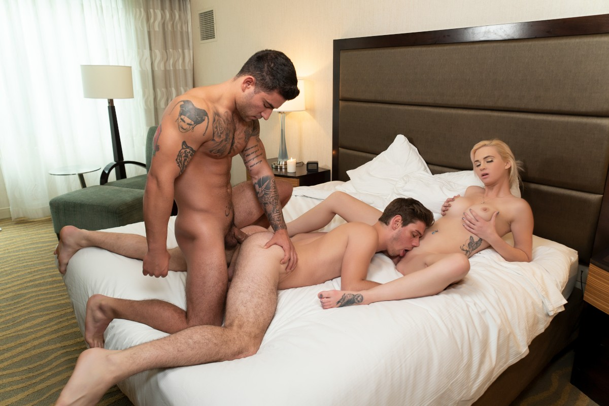 Free Party Bisexual Porn Pics