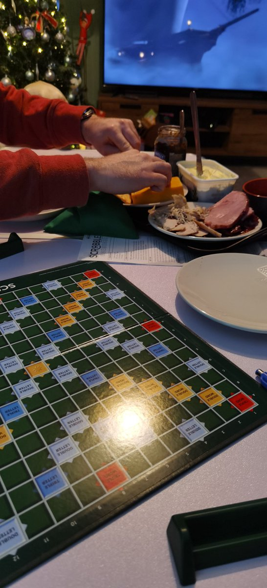 Scrabble and a picky plate..... What more could you need boxing day 😁❤️