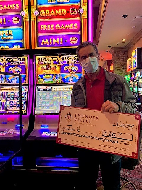 There was some extra Christmas magic this morning when Juan took home a $17,288 jackpot on Wonder 4 Spinning Fortunes! 🎉💰🎰🎄