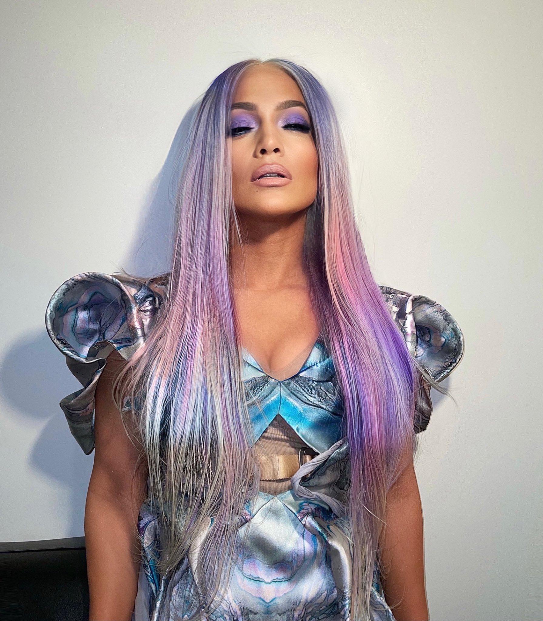 Jennifer Lopez - Σελίδα 4 EqNqbhTUYAAgBSu?format=jpg&name=large