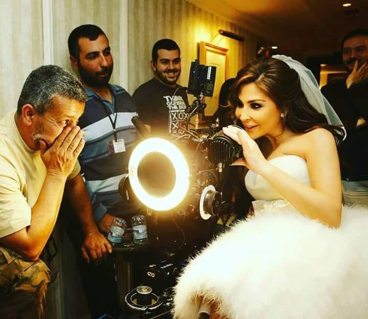 @elissakh  Where r uuuuuu ???? any news about the videoclip ??? #SahbetRaey 👀👀👀 miss uuuuuuuuuuu❤️❤️❤️