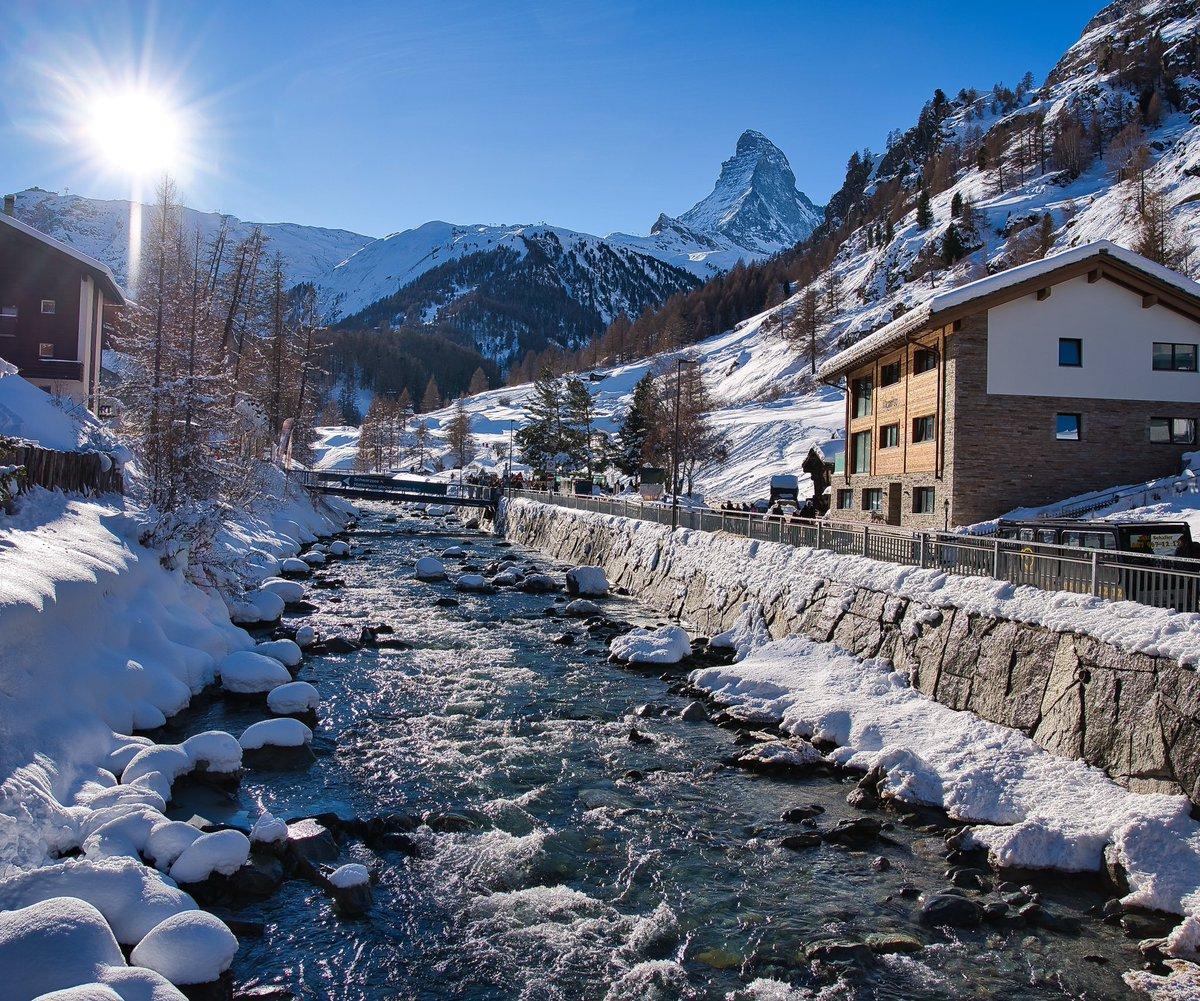 Zermatt, Matterhorn -Switzerland #matterhorn #zermatt #switzerland #mountains #swissalps #zermattmatterhorn #alps #cervino #swiss #valledaosta #wallis #valais #nature #zermattswitzerland #schweiz #myswitzerland #snow #cervinia #travel #mountain