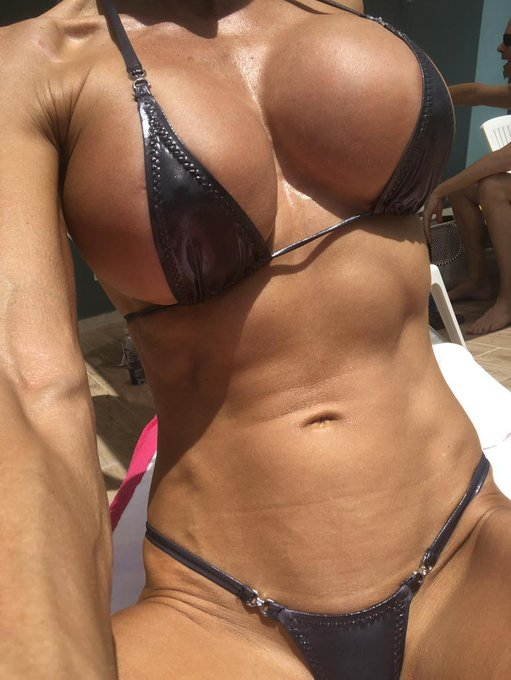 Awesome day at the pool!  Join me at https://t.co/FdjyjWYssg  #bestbody #gfe #fitness #muscle #abs #sixpack