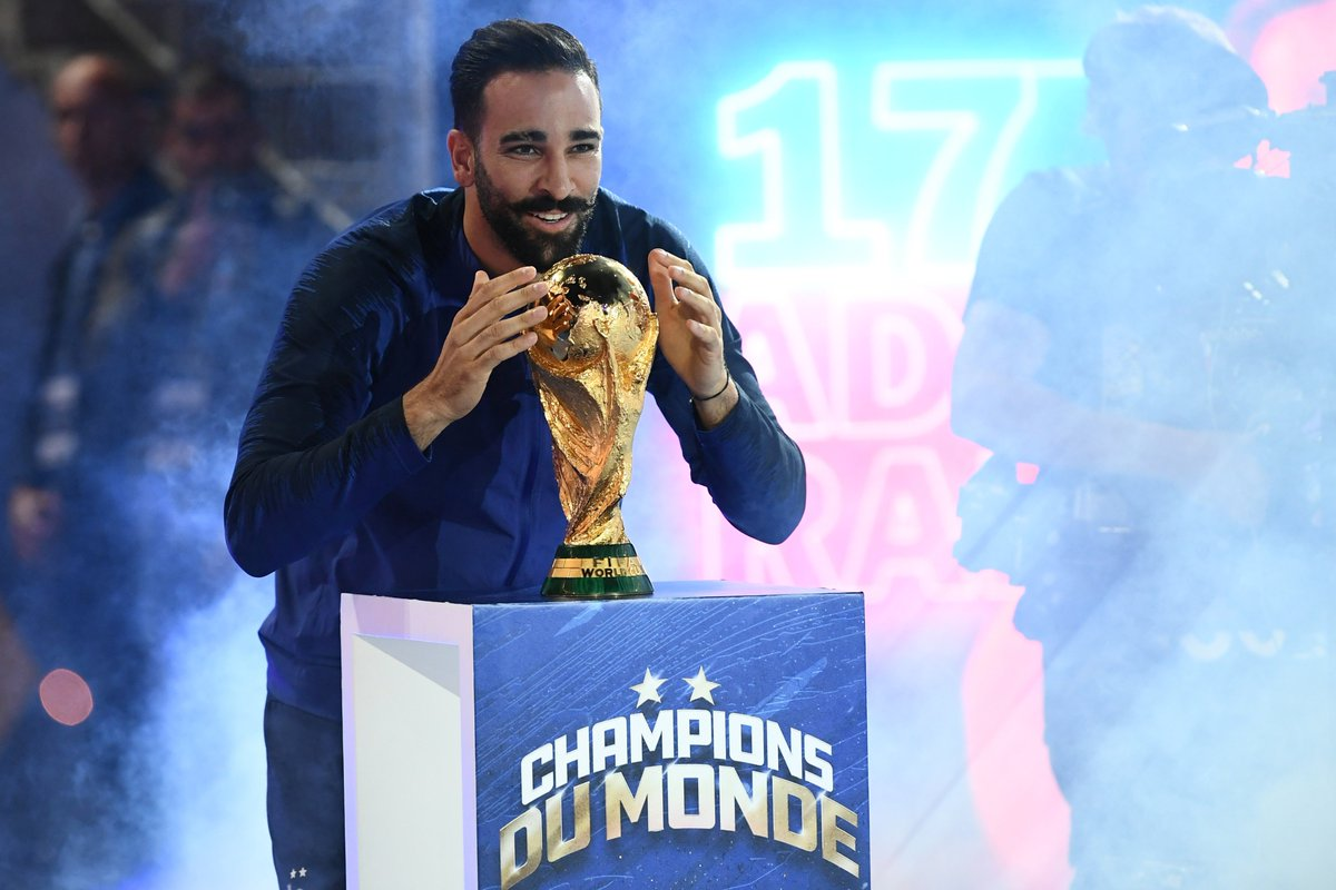 Joyeux anniversaire à notre Champion du Monde 2018, Adil Rami #FiersdetreBleus 🎂