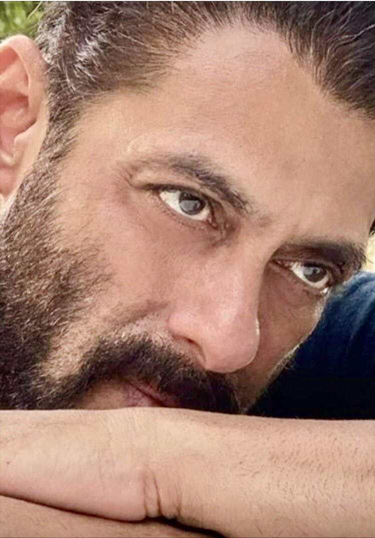 Happy birthday Bhai ..May you always be the blessing other people count on..🤲🎂 @BeingSalmanKhan ❤️
