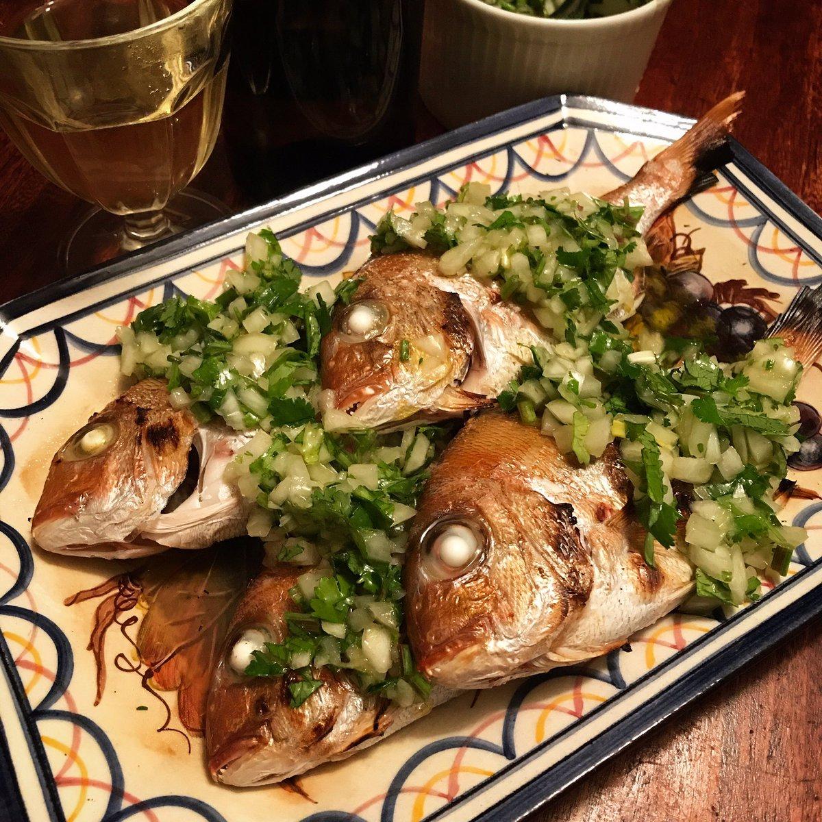 すごく美味しそう!海外を訪れたときに知ったという、魚の塩焼きの食べ方!