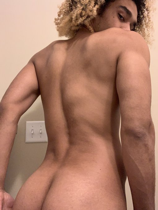 I could use a massage 💆🏽♂️😈  Subscribe for more 😏 ⤵️⤵️⤵️ https://t.co/4KCJkbKcqH https://t.co/8BYCl