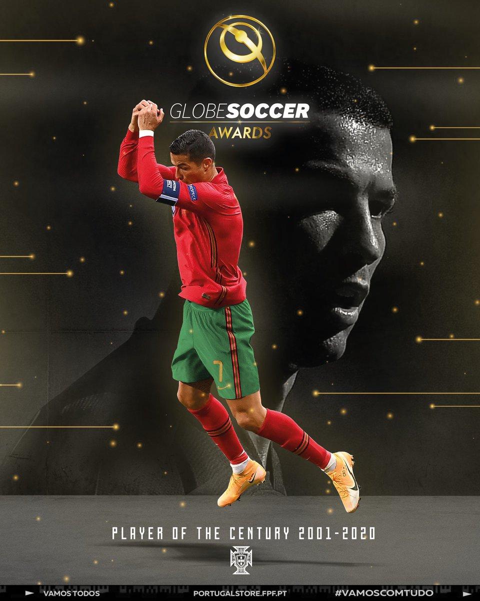 Terminar o ano em grande! 🎆 Cristiano Ronaldo recebeu o prémio de jogador do século da Globe Soccer Awards! #VamosTodos #VamosComTudo  Finishing the year on a high note! 🎆 #CR7 wins the Globe Soccer Awards Player of the Century! #TeamPortugal