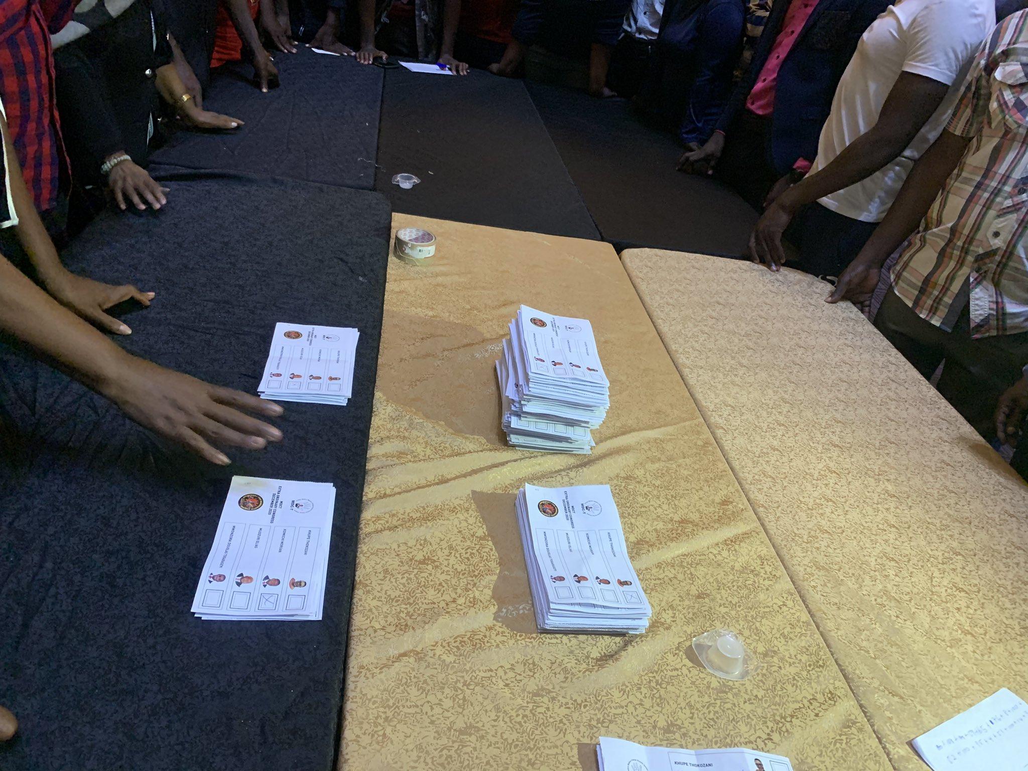 ballot piles for MDC T president