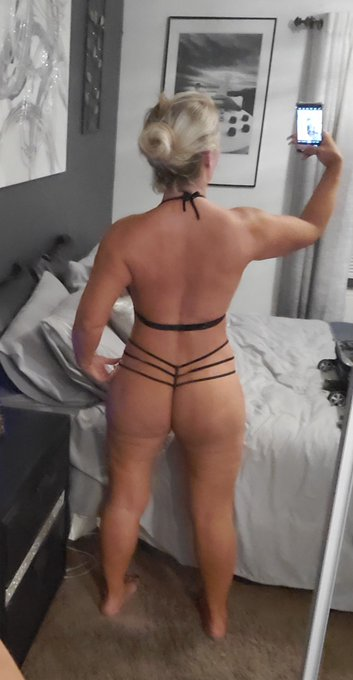 I get to do butt sex tomorrow! My first anal scene in almost a year! 🤩🤩🤩🤩🤩 https://t.co/Z6e3AJwpBe