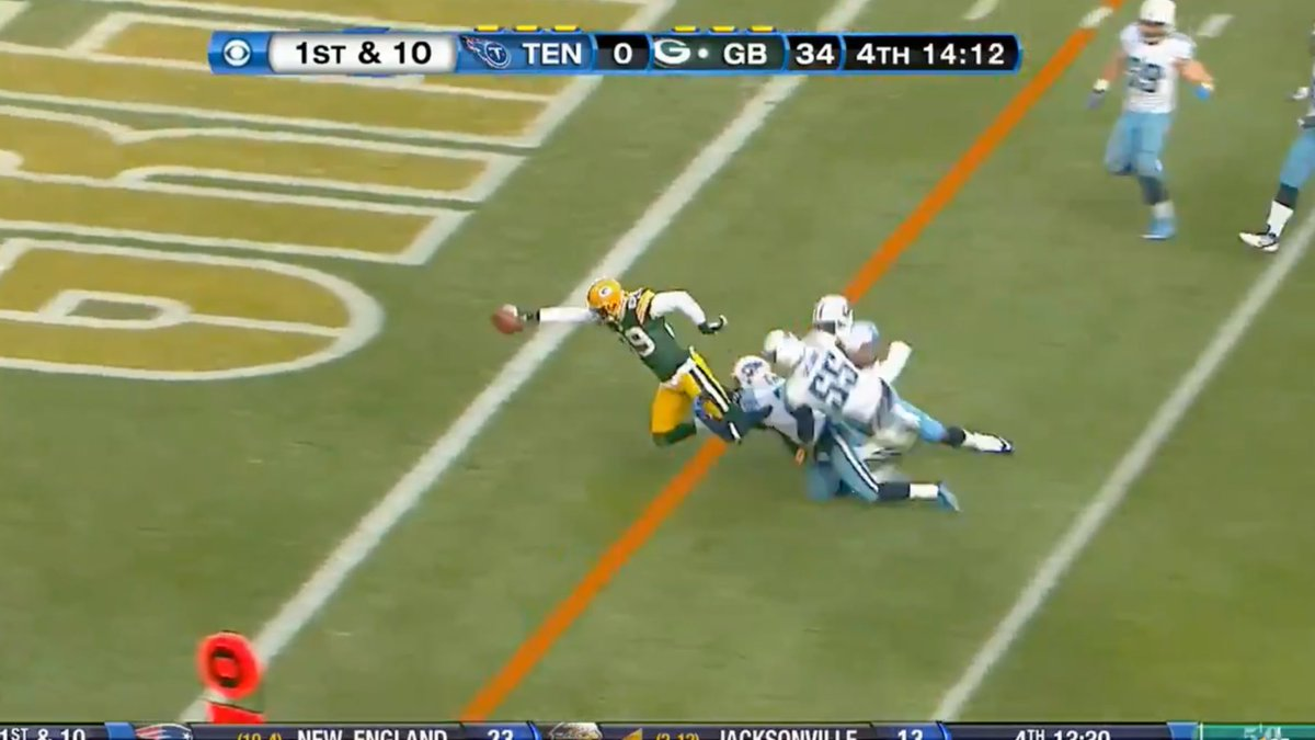 This is a statement game for the @Packers against a playoff team in the @Titans ...would love to see them fly past them like this ⬇️ 🤣  #TENvsGB   Who you got?  #GoPackGo or #Titans   Tap in