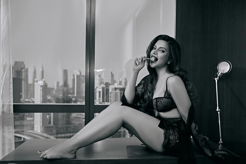 7-unseen-pictures-of-shama sikander-will-blow-your-mind - newsdezire
