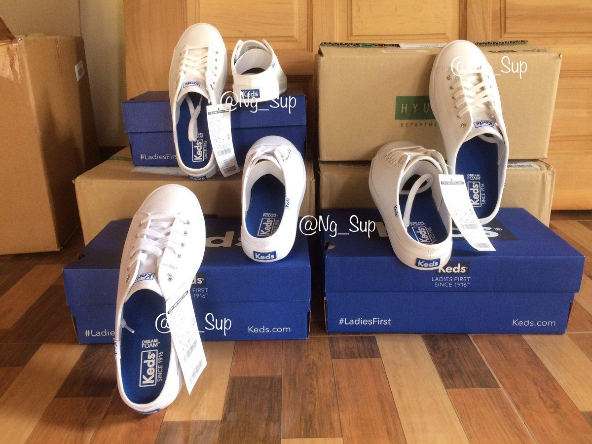 รองเท้า Keds พร้อมส่งค่ะ  รายละเอียดตามรูปเลยค่ะ  👉ขอดูรูปเพิ่มเติมได้นะคะ  🚚เก็บเงินแลสยทางก็ได้น้า💕 สนใจ dm. มาได้นะคะ  #Keds #prokeds #รองเท้า #รองเท้าkeds #รองเท้าผ้าใบ #รองเท้าหนัง #กระเป๋าKeds #Kedsstyle