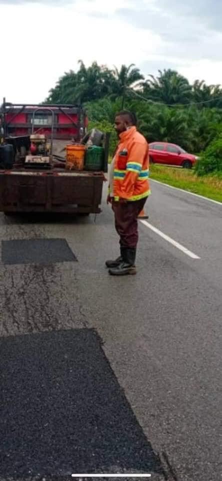Lubang di Jalan Seri Cheeding, Kuala Langat, Selangor iaitu lokasi Menteri Sains,Teknologi dan Inovasi @Khairykj kemalangan semalam telah dibaik pulih hari ini.