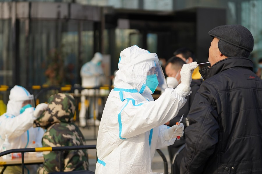 Less than a week away from the New Year holiday, sporadic #COVID19 cases in Beijing as well as northeast Liaoning Province and the southern high-tech hub of Shenzhen, prompting authorities to tighten up epidemic control measures #ChinaFocus