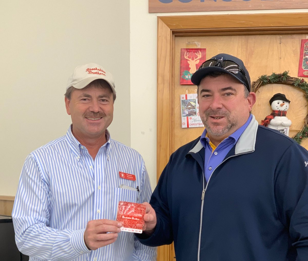 Hes Celebrating with FREE groceries❗ Congratulations to Ben C., this weeks Fall into Free Groceries gift card winner from Bellville, TX! 🎉 🎊 For contest details and how to become a Celebrate Rewards Member visit ➡ bit.ly/36XvCAp #BrookshireBrothers