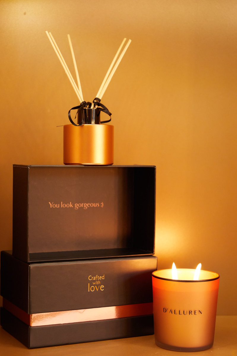 #dalluren #scentedcandle #candle #candlelight #candleday #CandleLightingDay #scented #candlenights #candles #room