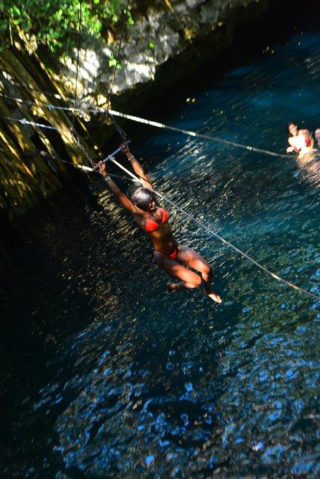 2 pic. Having a 🎉 in #QuintanaRoo 🇲🇽 https://t.co/ZBHilkXagQ