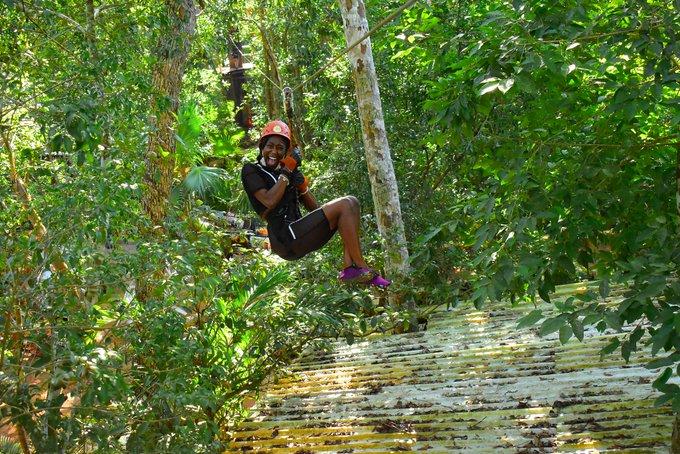 4 pic. Having a 🎉 in #QuintanaRoo 🇲🇽 https://t.co/ZBHilkXagQ