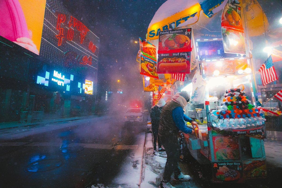 NYC nights 🗽 📷 @Kostennn