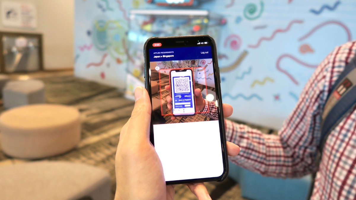 Travellers from Malaysia and Indonesia can now digitally verify their health credentials using the @iccwbo #AOKpass app for entrance to Singapore #ChangiAirport. The pilot programme will progressively roll out to other international travellers. https://t.co/OO5OrgkClo https://t.co/Vq9Je9RgFx