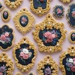 Sweets artistさんが絵画・宝飾品をイメージして作ったクッキーがとてもきれい。