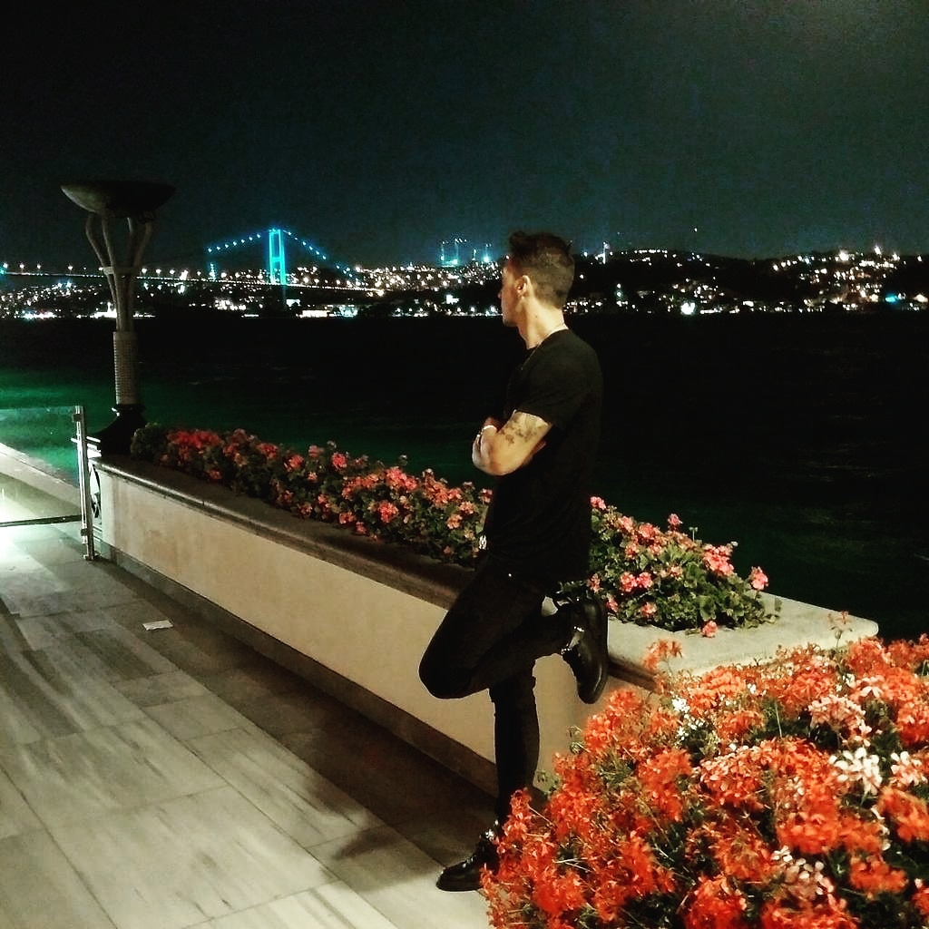 Replying to @MesutOzil1088: This city ... 🙌🏼🇹🇷 #throwback #Istanbul