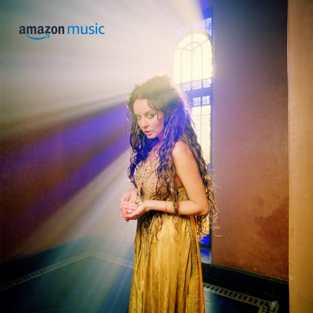 Join us each week as we revisit incredible albums from throughout Sarah's five-decades-long career with Fan Favourites on @amazonmusic!  This week's selection: Sarah's beautiful 2003 album 'Harem.'  Revisit the album here:  https://t.co/tk33I3tEgG https://t.co/xz1wHqFkr5