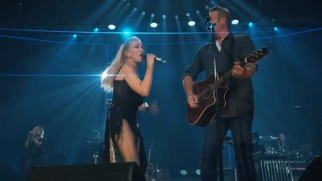 We are #HappyAnywhere listening to this fab LIVE version of @BlakeShelton & @GwenStefani's duet! 🎵🎤💙   Watch the full video here! ⬇️    #CompleteCountry #CountryMusic #Country #BlakeShelton #GwenStefani