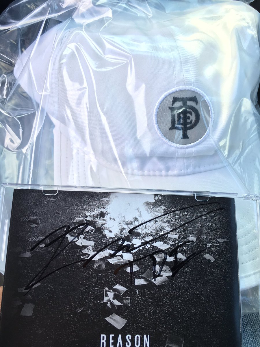 Replying to @J_V_8: S/O to @reasonTDE and @TopDawgEnt for including a hat with my reason CD purchase!!!!