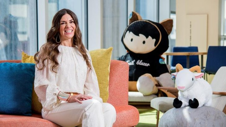 Congratulations to my great pal @swbjoyce, our new @Salesforce CMO! The entire #MascotTeam is thrilled 🤩