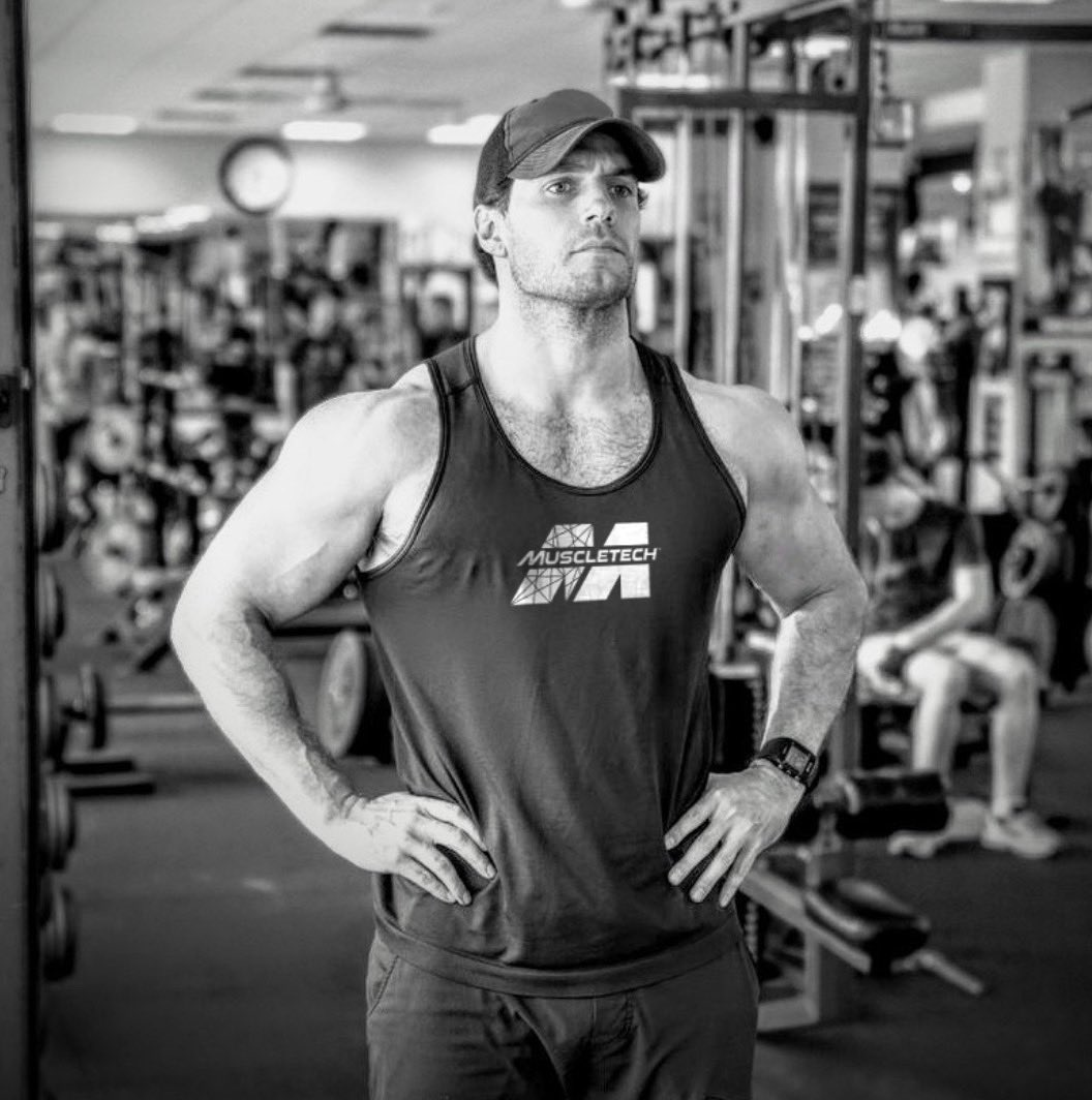 Not your every day #ChiefCreativeDirector 💪🏼💪🏼 Congratulations to #HenryCavill and @muscletech as they partner together to inspire , elevate and create for strength that represents the resiliency and will that can live within us all.  @tgcmgmt