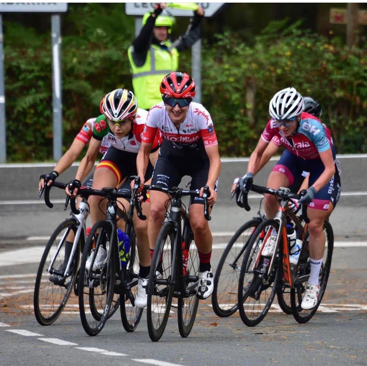 EqaWT86XAAEn lo?format=jpg&name=large - Entrevista a Aida Nuño, la Reina del ciclocross en España