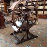 メキシコの「回転式図書閲覧機」300年前の人の知恵が詰まっている