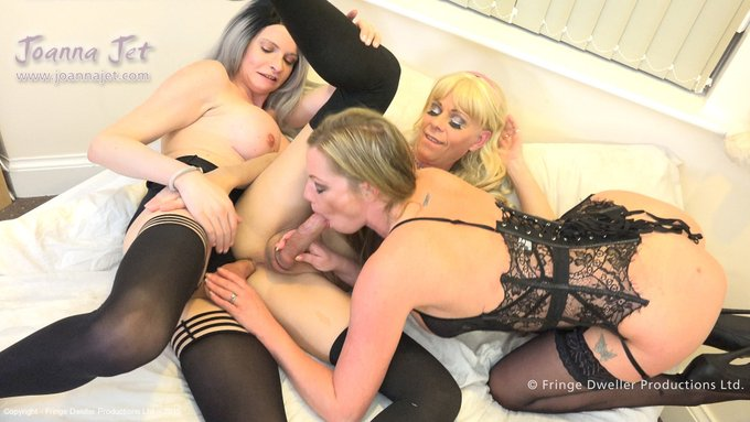 #throwbackthursday 3-WAY with @LadyHarknessXXX & HOLLY (Dec 2016) from https://t.co/NLY1whrODT with 100