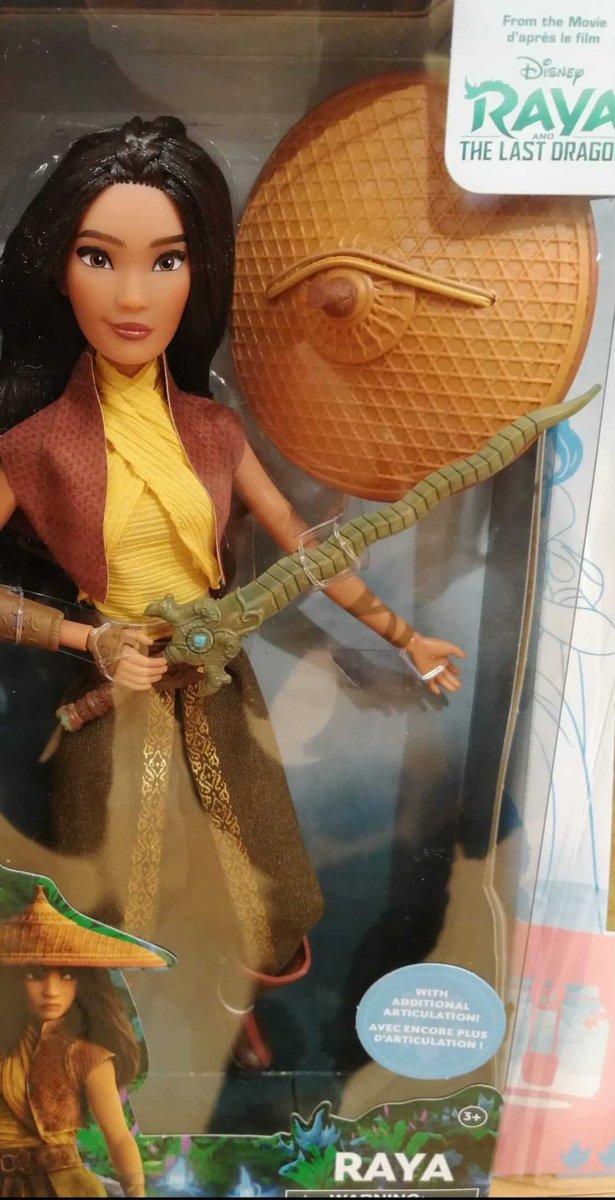 Les poupées classiques du Disney Store et des Parcs EqanZXPW8AABElc